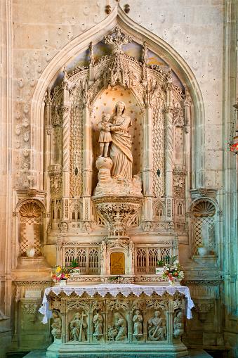 Nouvelle-Aquitaine「Saint-Pierre Cathedral in Saintes, France」:スマホ壁紙(7)