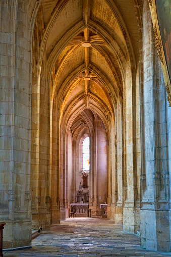 Nouvelle-Aquitaine「Saint-Pierre Cathedral in Saintes, France」:スマホ壁紙(14)
