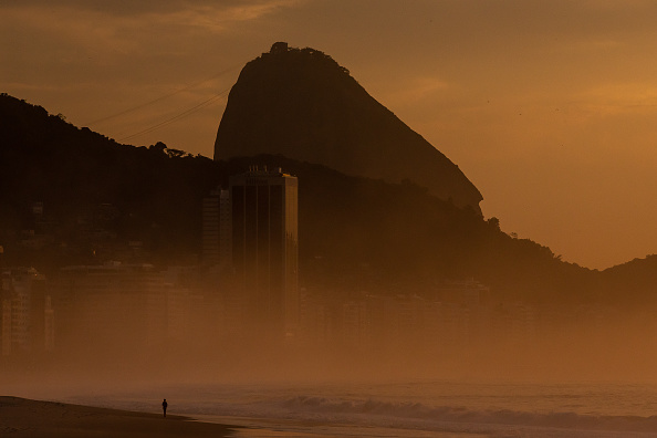 Dawn「Sunrise and Early Morning in Rio de Janeiro Amidst the Coronavirus (COVID - 19) Pandemic」:写真・画像(12)[壁紙.com]