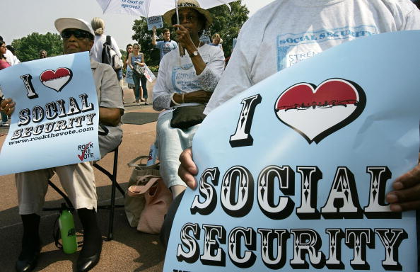 Social Security「70th Anniversary Of Social Security Marked」:写真・画像(2)[壁紙.com]