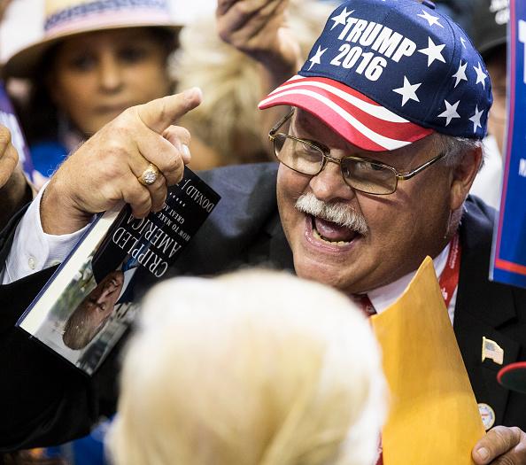 Mark Wallheiser「GOP Presidential Nominee Donald Trump Holds Rally In Jacksonville, Florida」:写真・画像(5)[壁紙.com]