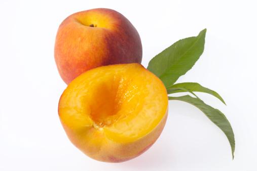 Halved「Fresh peaches, close-up」:スマホ壁紙(16)