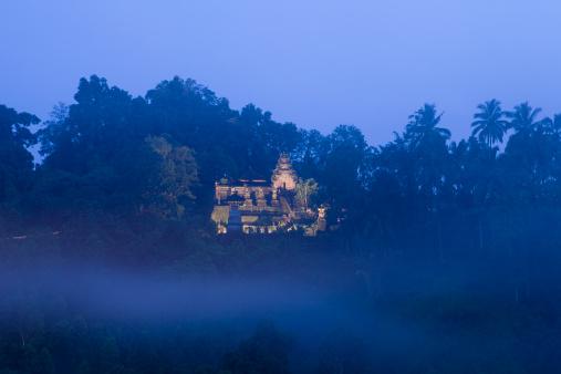 Ubud District「Hindu Temple Mist in Ubud Bali」:スマホ壁紙(12)