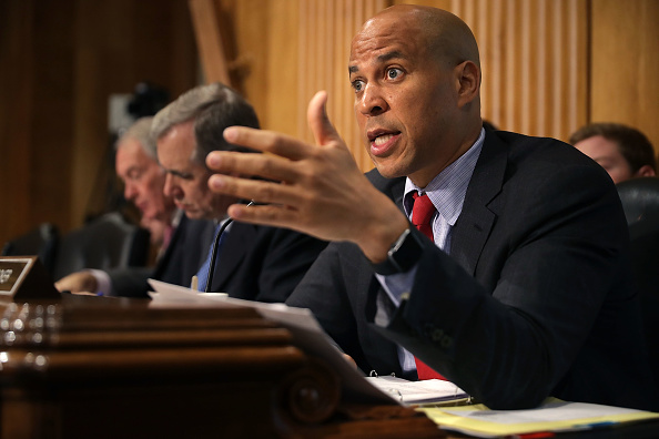 Small Office「Senate Foreign Relations Committee Holds Hearing On The Crisis In Libya」:写真・画像(9)[壁紙.com]