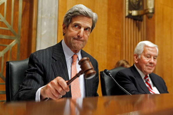 John Kerry「Senate Holds Hearing On Afghanistan And Al-Qaeda」:写真・画像(3)[壁紙.com]