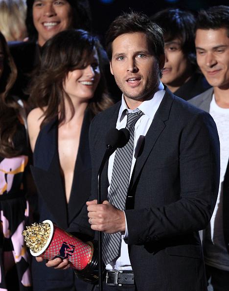 Elizabeth Reaser「2010 MTV Movie Awards - Show」:写真・画像(17)[壁紙.com]