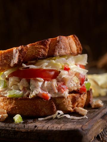 Toasted Food「Toasted Chicken Salad Sandwich on Sourdough」:スマホ壁紙(12)