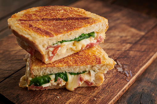 Toasted Sandwich「Toasted Chicken, Chorizo, Cheese and Spinach sandwich.」:スマホ壁紙(19)