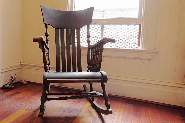 brown wooden backlit rocking chair with one window:スマホ壁紙(壁紙.com)
