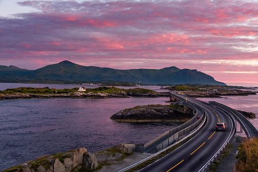 Archipelago「Car driving over Storseisundet Bridge, More og Romsdal, Norway」:スマホ壁紙(14)