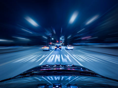 かえる「Car driving on highway at night, Chicago, Illinois, America, USA」:スマホ壁紙(18)