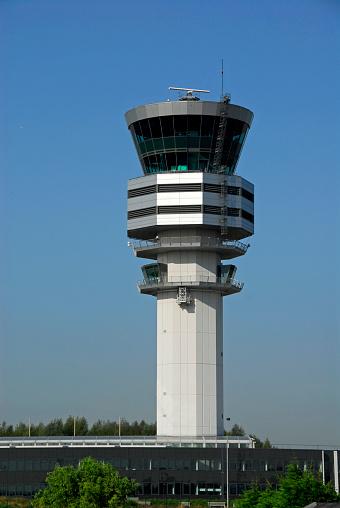 Approaching「Ait traffic control tower in Steenokkerzeel,Vlaams-Brabant,Belgium」:スマホ壁紙(4)
