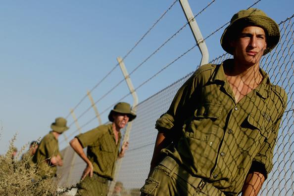 Slanted「Israelis Move Closer To Gaza Pullout」:写真・画像(5)[壁紙.com]