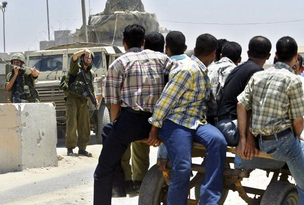 Deir Al-balah「Israeli Troops Cut Gaza Strip In Two」:写真・画像(4)[壁紙.com]
