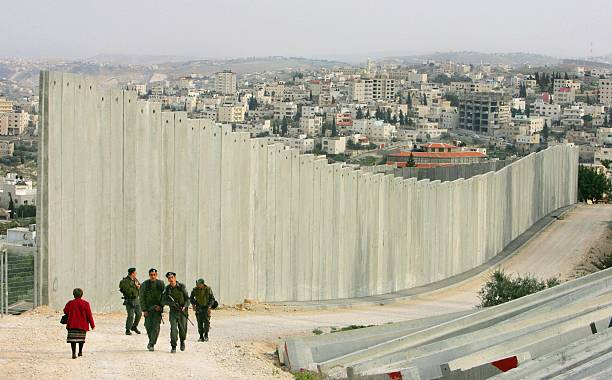 Separation Barrier Dominates Lives Of Palestinians:ニュース(壁紙.com)