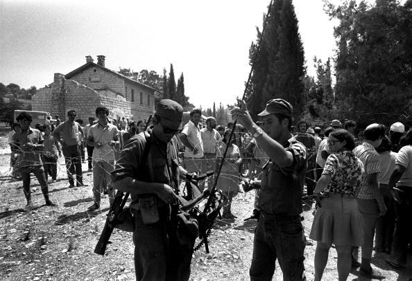 Effort「(FILE) Right-Wing Israelis Establish First West Bank Settlements」:写真・画像(5)[壁紙.com]