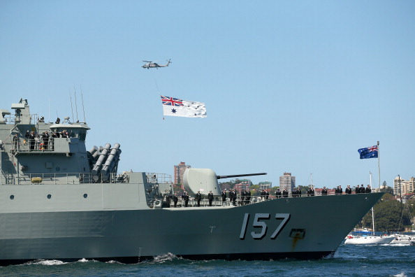 Politics「Warships Enter Sydney Harbour Ahead Of 2013 International Fleet Review」:写真・画像(1)[壁紙.com]