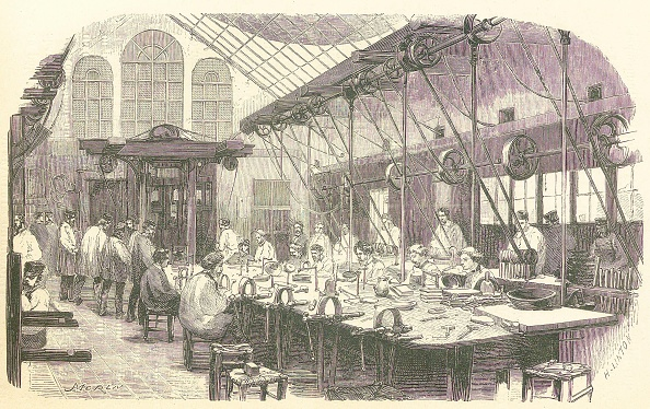 Metal Industry「Silversmiths At Work At The Christophle Flatware Factory In Paris」:写真・画像(10)[壁紙.com]