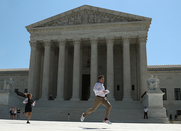 Supreme Court「U.S. Supreme Court Issues Decisions On 2020 Census, Gerrymandering Cases」:写真・画像(19)[壁紙.com]
