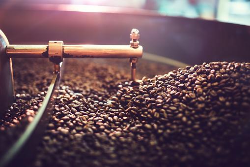 Refreshment「Coffee Roaster Cooling Batch of Beans」:スマホ壁紙(13)
