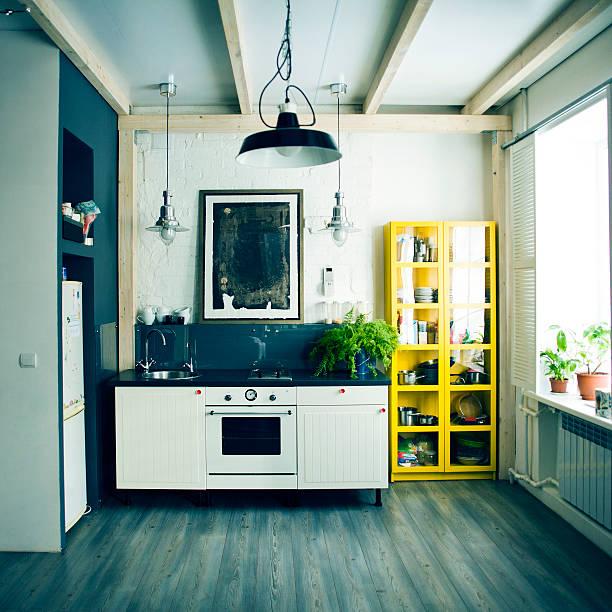 Sink, oven and shelves in apartment kitchen:スマホ壁紙(壁紙.com)