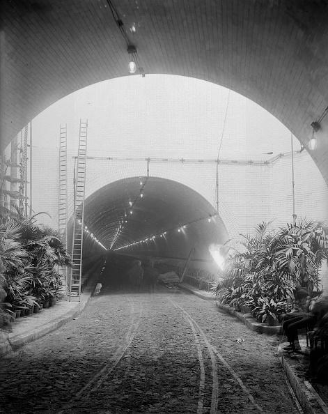 Reinhold Thiele「Blackwall Tunnel」:写真・画像(4)[壁紙.com]