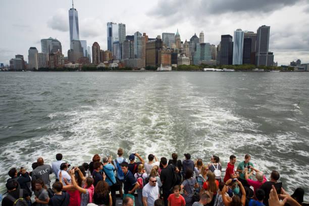Symbols Of Immigration: NYC's Statue Of Liberty And Ellis Island:ニュース(壁紙.com)
