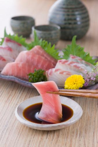 Sake「Sashimi Dipped into Soy Sauce」:スマホ壁紙(15)