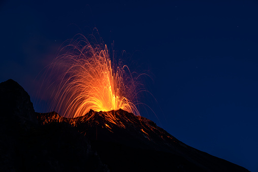 Volcano「Eruption」:スマホ壁紙(17)