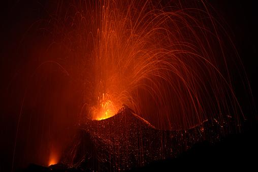 文化「噴火」:スマホ壁紙(17)