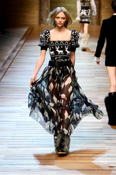Sasha「D&G: Milan Fashion Week Womenswear A/W 2010」:写真・画像(8)[壁紙.com]