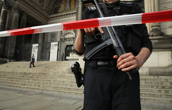 The Knife「Police Shoot Knife-Wielding Suspect At Berlin Cathedral」:写真・画像(18)[壁紙.com]