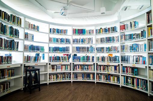 Bookstore「School library in Kuala Lumpur, Malaysia」:スマホ壁紙(5)