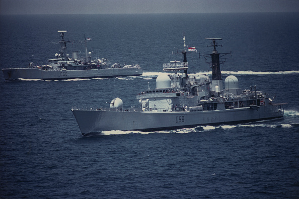 Two Objects「British Navy In The Gulf」:写真・画像(18)[壁紙.com]