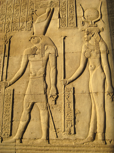 Creativity「A Relief Depicting The God, Horus And The Goddess Hathor On The Wall Of One Of The Temples Of Kom Om Artist: Werner Forman.」:写真・画像(1)[壁紙.com]