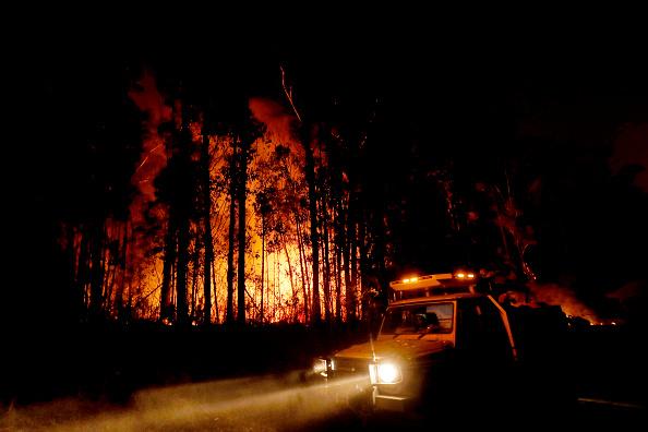 オーストラリア「Evacuations Begin Following East Gippsland Bushfires」:写真・画像(13)[壁紙.com]
