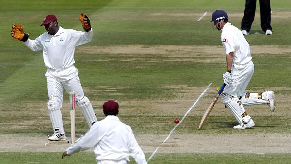 St「Cricket Run Out」:写真・画像(18)[壁紙.com]