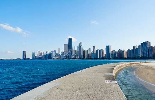 Great Lakes「USA, Illinois, Chicago, North Avenue Beach, Lake Michigan, Skyline」:スマホ壁紙(19)