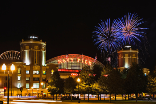 Annual Event「USA, Illinois, Chicago, Navy Pier, fireworks in sky, night」:スマホ壁紙(5)