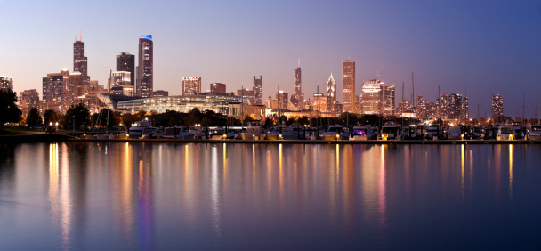 Great Lakes「USA, Illinois, Chicago skyline at dusk」:スマホ壁紙(14)