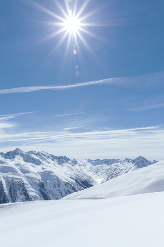 Ischgl「Austria, Tyrol, between Ischgl and Galtuer, view to snowy mountains on a sunny day」:スマホ壁紙(16)