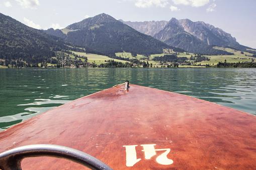 Walchsee「Austria, Tyrol, Walchsee, view from boat to Kitzbuehel Alps, Kaiserwinkl」:スマホ壁紙(11)