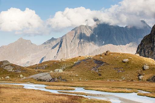 Hawk - Bird「Austria, Tyrol, Stubai Alps, Stubaital, Hohes Moos, Habicht mountain」:スマホ壁紙(17)