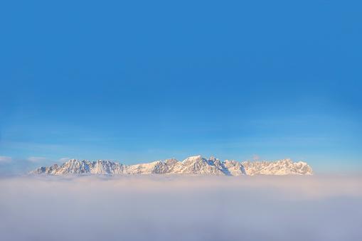 European Alps「Austria, Tyrol, View of Kaiser Mountains, Wilder Kaiser and Zahmer Kaiser」:スマホ壁紙(8)