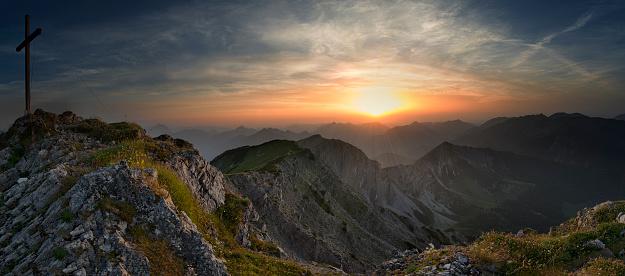 チロル州「Austria, Tyrol, sunset at Hinteres Sonnwendjoch」:スマホ壁紙(6)
