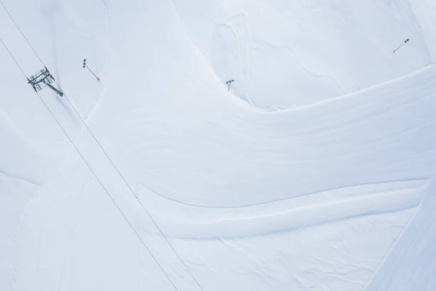 Austria, Tyrol, Galtuer, view to ski slope and chair lift in winter, aerial view:スマホ壁紙(壁紙.com)