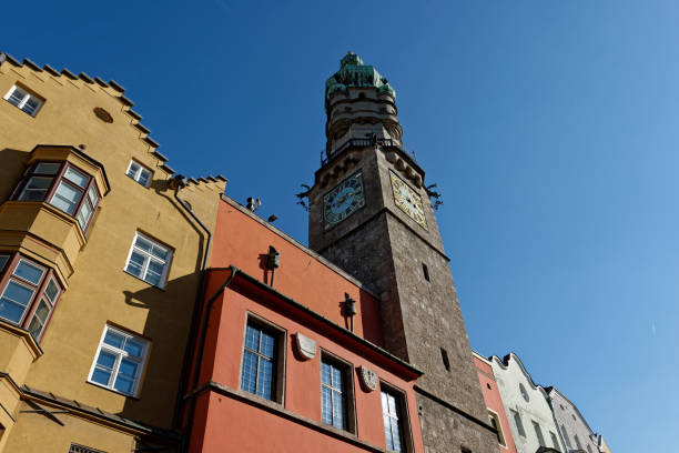 Austria, Tyrol, Innsbruck, Stadtturm:スマホ壁紙(壁紙.com)