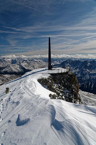 北チロル「Austria, Tyrol, Oetztal, Soelden, observation deck Schwarze Schneid with obelisk」:スマホ壁紙(8)