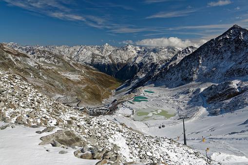北チロル「Austria, Tyrol, Oetztal, Soelden, Schwarze Schneid, view towards Oetztal Glacier Road and Oetztal Alps」:スマホ壁紙(10)