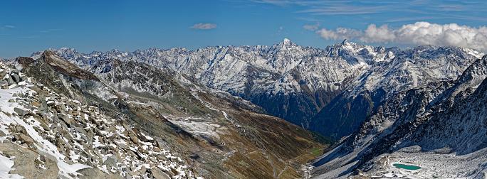 北チロル「Austria, Tyrol, Oetztal, Soelden, Schwarze Schneid, view towards Oetztal Glacier Road and Oetztal Alps」:スマホ壁紙(11)